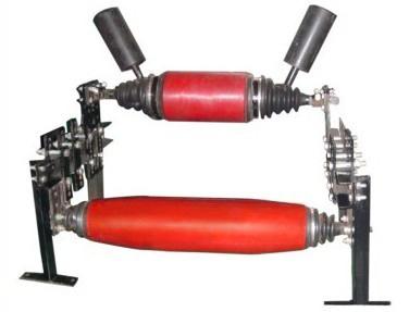 筒体自摆式皮带自动纠偏装置